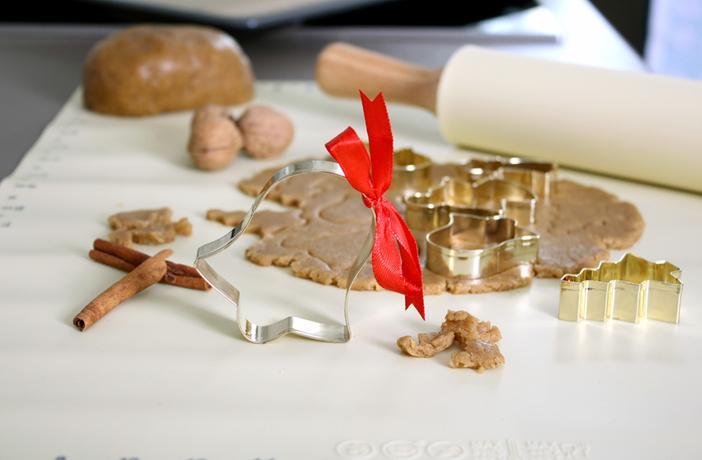 Vykrajovátko na cukroví TORO 7cm zlatý perníč...