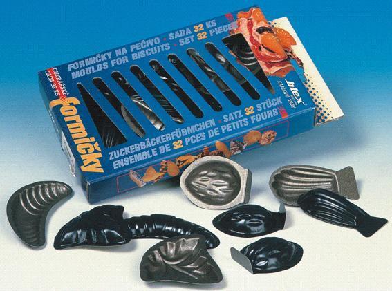 Formičky na cukroví s nepřilnavým povrchem 32 ks